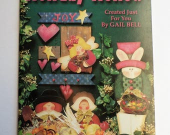 Tole and Decorative painting patterns and instruction book, Holiday Hollow by Gail Bell