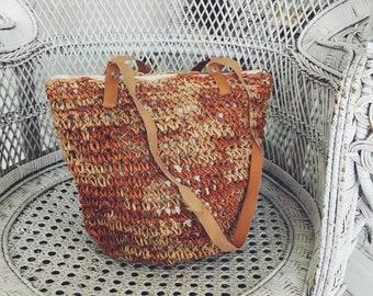 Beautiful 1970s vintage woven wicker bucket bag