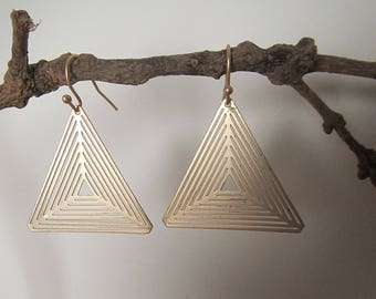 Golden Earrings triangle, minimalist geometric earrings