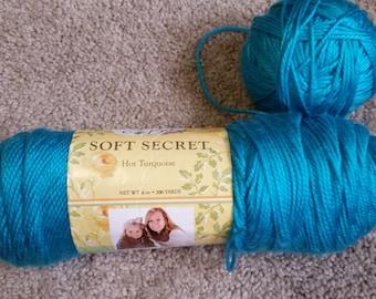Yarn bee Soft Secret Worsen weight yarn 6 oz Skeins