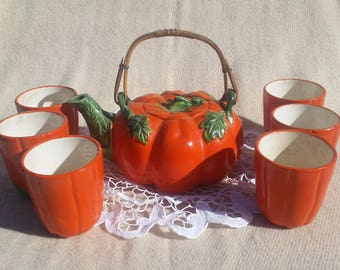 Vintage Japanese Maruhon Ware Tomato teapot- Bamboo Handle