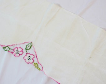 Vintage Prink and Green Table Linen
