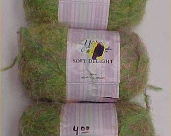 Soft Delight Yarn Bee Lot 3 Skeins Discontinued Knit Crochet Green #1106 Crafts