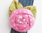 Bracelet Pin Cushion Cuff   Wrist band flower pincushion makes a great sewing gift for quilters or seamstress or anyone who loves to sew!