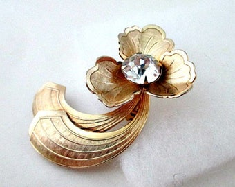Flower Brooch Pin - Gold Flower with Crystal Center - Vintage Pin Brooch Jewelry