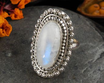 Moonstone sterling silver ring - size 6