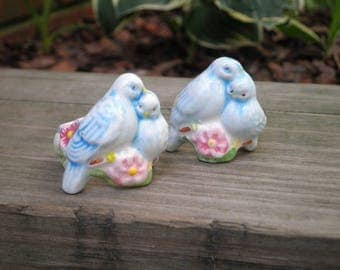 Vintage Avon Love Birds Porcelain Napkin Holder Rings - Set of 2 Made in Brazil 1983 - Shabby Chic Fairy Tale Wedding Table Decor Host Gift