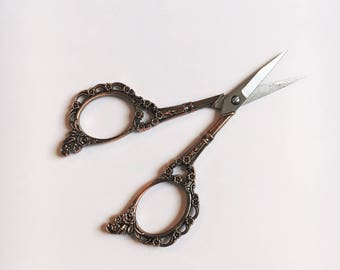 WARM BRONZE Vintage style embroidery scissors