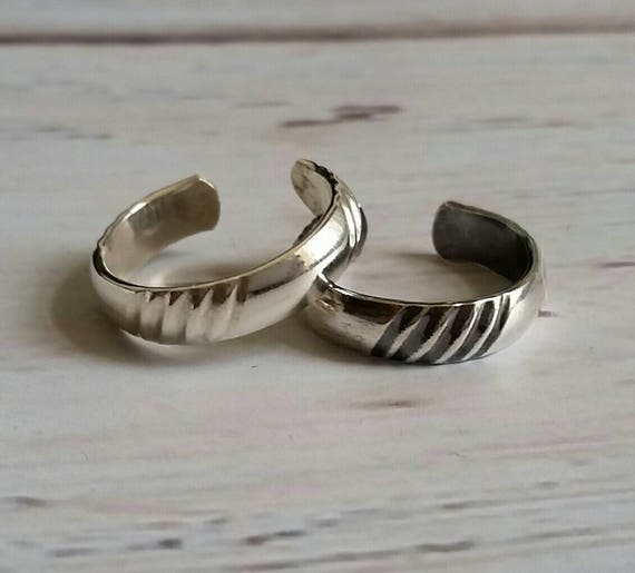 Diagonal Stripe Sterling Silver Toe Ring