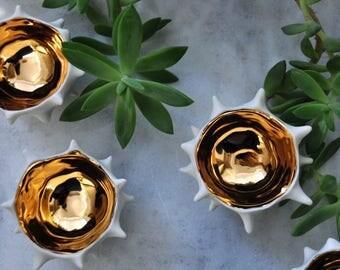 Tiny Gold Conch Bowl - Gold Ceramic Bowl,  Modern Ceramic Bowl, Pinch Bowl, Gift for her, Houeswarming gift