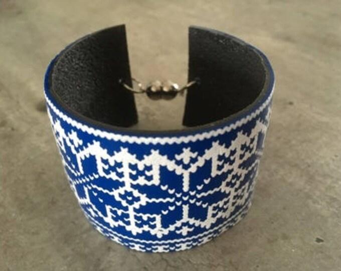 Polymer clay bracelet - knit pattern