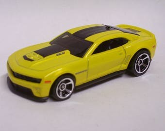 Hot Rod Magnet - 2012 Chevrolet Camaro ZL1 : Hot Rod, Man Cave, Tool Box, Refrigerator, Magnet