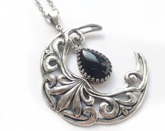 Crescent Moon Necklace Black Onyx Necklace Silver Large Moon in chain Pendant Witchy Jewelry wiccan Jewelry Celestial Jewelry Celtic Fantasy
