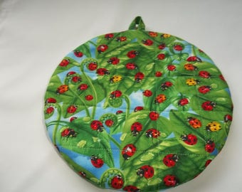 Lady Bugs Red, Quilted Pot Holders, Quilted Hot Pads, Round Fabric Handmade Cotton, 9 Inches, Double Insulated, Trivet, Gift