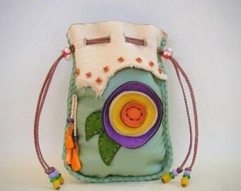 hippie pouch >> FLOWER POWER << leather medicine bag, stash 420 bag, tobbacco pouch, Spirit Pouch, wicca pagan Goddess, New Age