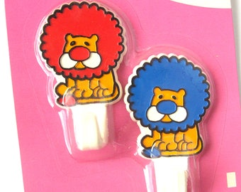 Vintage Novelty Wall Hooks / Circus Lion Hooks / Self Adhesive Hooks / Retro Kid's Room / Retro Nursery / Dead Stock / NOS in Package