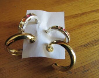 spot with gold hoops post