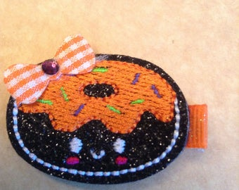 Vinlyl Embroidered Halloween Donut Hair Clip, Hair Bows, Toddlers Hair Clippie, Girls Halloween Hair Bows, Frosted Donut (Item 16-271)