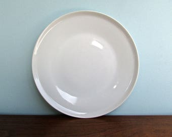 "Paul McCobb Dinner Plates in Modern Porcelain-White, 10"" Paul McCobb White"