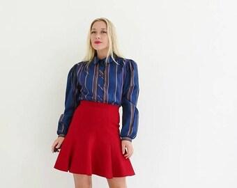 ON SALE 1980s Lady Arrow Stripe Blouse /// Size Medium to Large