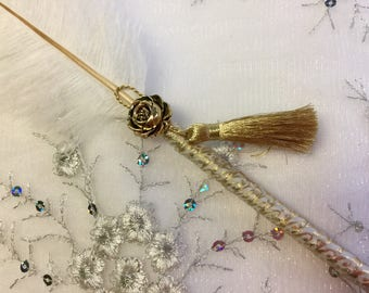 1  Ostrich Feather Damask and Gold Guest Book Pen in your choice of colors