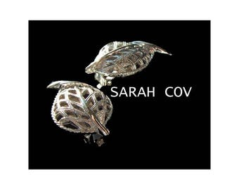 Modern Leaf Earrings Sarah Coventry signed SARACOV, French clip on, textured silver tone medium size, vintage 1960s