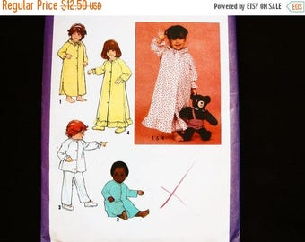 on SALE 25% Off 1970s Toddler Nightgown Pattern, size 3, Toddler Girls Nightgown, Pajama Pattern, Robe  Pattern, Vintage Sewing Patterns 70s