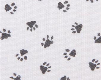 219602 Robert Kaufman white fabric paw print Whiskers and Tails Digital Print