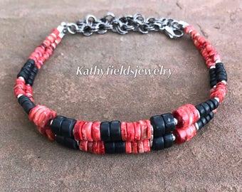Red spongylus shell / black onyx choker