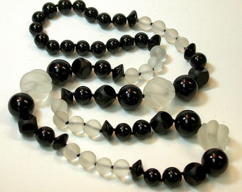 Vintage Black Onyx Carved Abacus Bead Hand Knotted Necklace ,Hand Carved Vintage White Snow Quartz Round Twist Beads