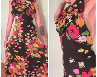 Vintage 1970s Flower Hawaiian Print Halter Dress with Ruffled Bodice Size 6