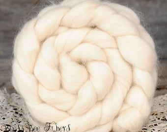 COTSWOLD - Undyed Combed Top Roving Wool Natural White Ecru for Spinning or Felting, Needle Felting Fiber - 4 oz