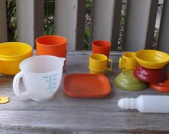 Tupperware Toys 17 piece Dish Set
