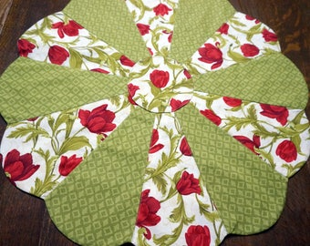 Red & Green Tulip Table Topper Reverses to Grey and Yellow Modern Print