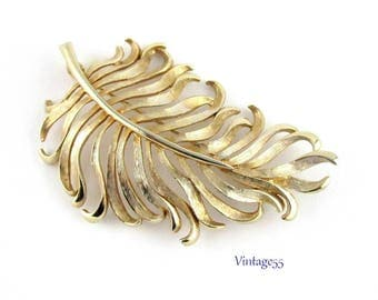 Leaf Brooch Pastelli Gold tone Feathery Fern