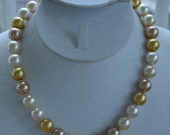 """ON SALE Gold, Beige, Off White Glass Beaded Necklace, Vintage, 16""""-18-3/4"""" (AQ11)"""