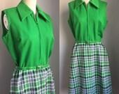 Vintage 1960's Kelly Green Pointy Collar Zip Up Sleeveless Plaid Dress Size Medium