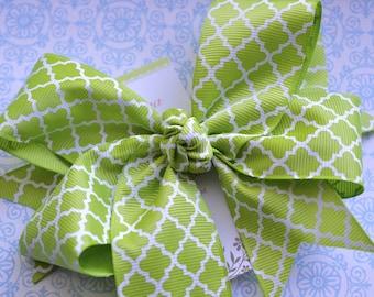 Lime Green Quatrefoil XL Diva Bow