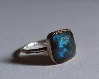 Sterling Silver Labradorite Ring Faceted Stone Size 7.75 US 7 3/4 Bezel Square Setting Cabachon Gem Prismatic Bohemian Style Boho