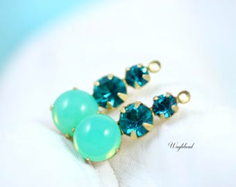 Jewelry Finding Blue Zircon & Green Opal Vintage Round Glass 23mm Charms Swarovski Rhinestones 1 Loop - 2