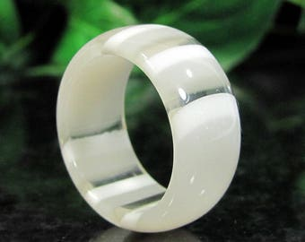 Vintage Laminated Lucite EYE Ring Striped White to Clear Convertible NOS Sz. 7.5