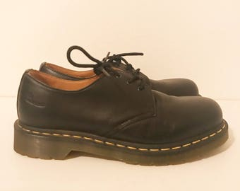 Dr Marten Black Leather Lace Up Oxfords 8