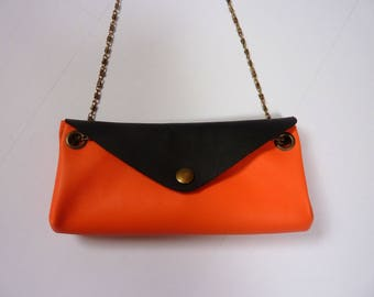 Pouch miltipoches without seams, Apricot and black leather