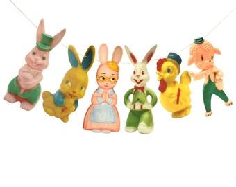 Vintage Easter Garland - photo reproductions on felt - Knickerbocker Irwin Rosbro - plastic bunnies chicks lambs