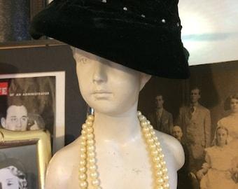 Vintage 30s  Black Velvet Mini Rhinestones Ladies  Bucket Cloche Hat