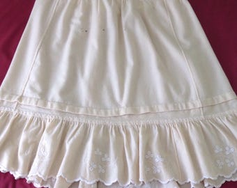 Late Victorian Early Edwardian /1900s Woollen Petticoat with Tucks and Embroidery Creamy Yellow Wool - Damaged - Handsewn