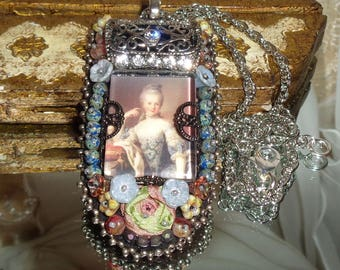 Marie Antoinette bead embroidered pendant necklace Pamelia Designs