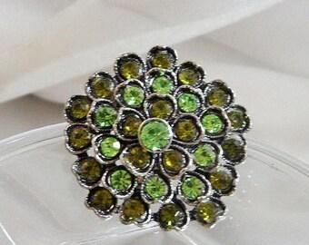 SALE Vintage Green Rhinestone Brooch. Floral Flower Pin. Heart Shaped. Peridot Olivine Green Rhinestones.