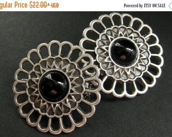 BACK to SCHOOL SALE Set of Two Black Onyx Apron Pins. Viking Brooch Set in Aged Silver. Norse Shoulder Brooches. Norse Brooches. Historical
