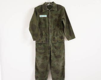 "Vintage Childs Size 6 Bodysuit / Camouflage Cotton Jumpsuit Military Army Green / b30"" inseam 17.5"" / Halloween Costume Pretend Play"